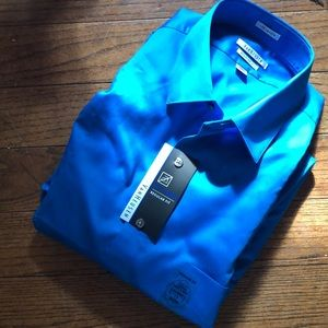 NWT   Van Heusen long sleeve dress shirt
